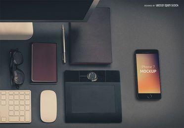 iPhone 7 Plantilla PSD en el escritorio