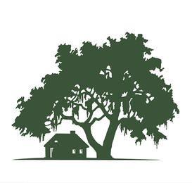 Casa e paisagem de silhueta de carvalho