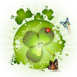 Trébol verde con mariquita y mariposas.