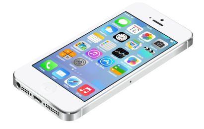 IPhone5 realista com interface do usuário do IOS7