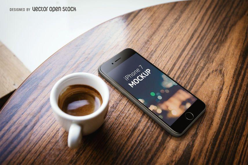 modelo de iPhone 7 com café PSD