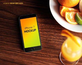 iPhone 7 modelo com comida PSD