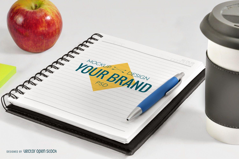 Maquete de notebook de escritório