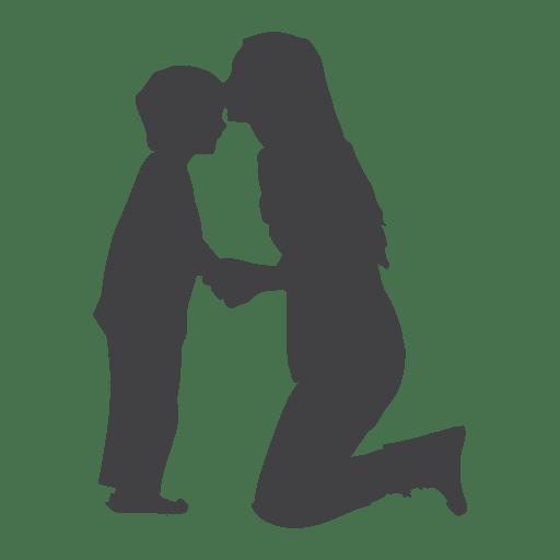 Silhueta de mães beijando filho na testa