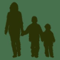 Mãe com dois filhos