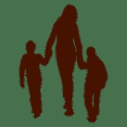Mamá caminando con dos niños