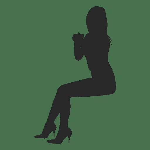 Chica desnuda sentada a horcajadas silla
