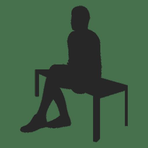Hombre sentado en el banco