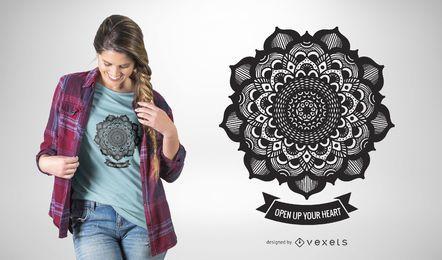 Diseño ilustrado de camiseta mandala.