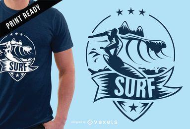 Diseño de camiseta de surf de la insignia