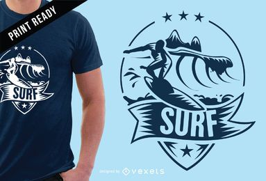 Diseño de camiseta con insignia de surf.