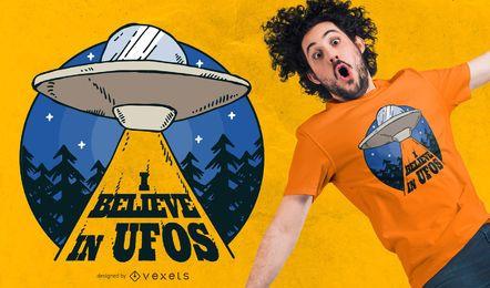Design de t-shirt de nave alienígena