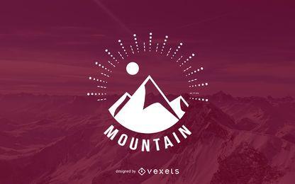 Modelo do logotipo da montanha Hipster