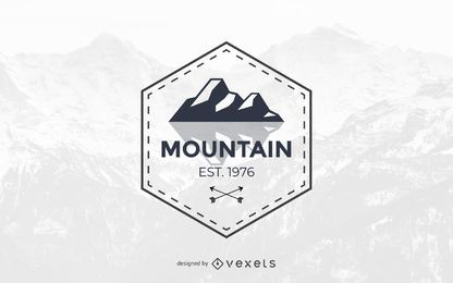 Design de modelo de logotipo de montanha abstrata