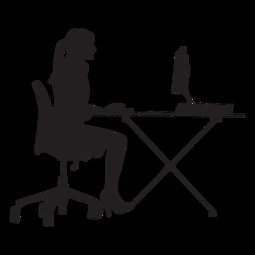 Mujer sentada en la mesa de ordenador silueta Transparent PNG