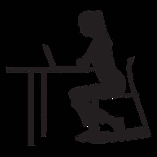 Frau, die am Schreibtischschattenbild sitzt Transparent PNG