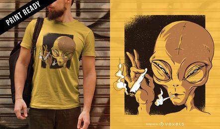 Diseño de camiseta alienígena fumando