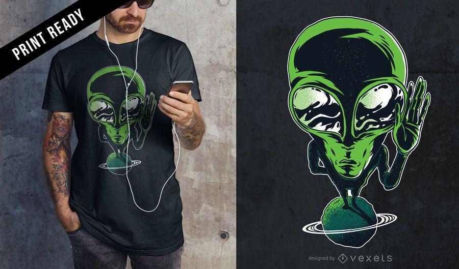 Diseño de camiseta Alien on planet.