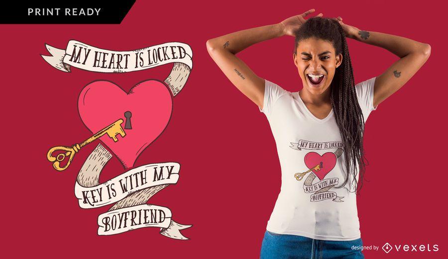 Design de t-shirt chave de coração