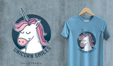 O t-shirt dos sorrisos do unicórnio projeta