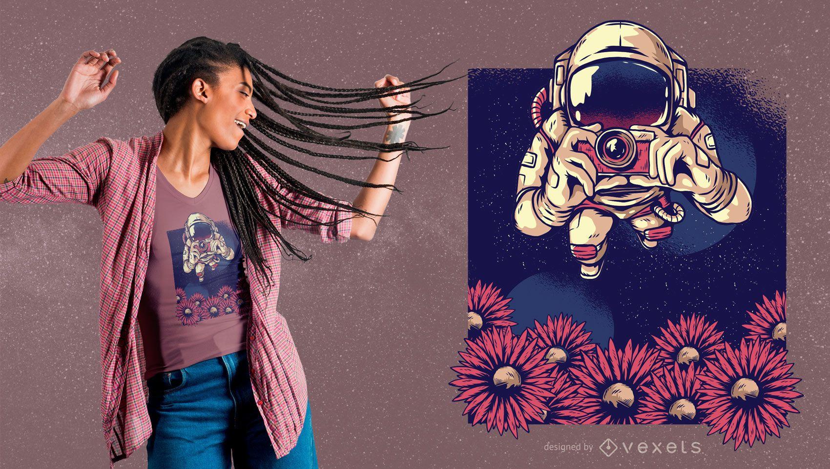 Dise?o de camiseta de fot?grafo astronauta floral