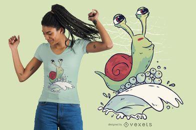 Diseño de camiseta de caracol surf