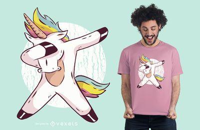 Einhornjunge, der T-Shirt Entwurf abtupft