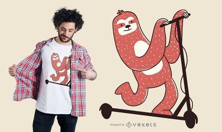 Design de t-shirt de scooter de equitação de preguiça