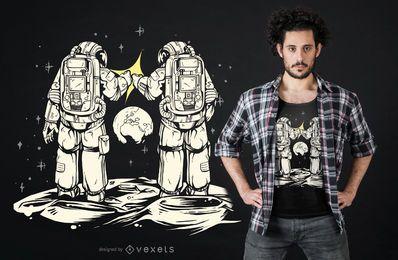 Design de t-shirt de astronauta de punho colidindo