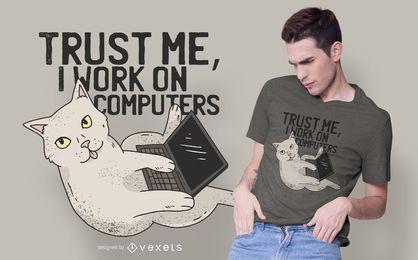 Diseño de camiseta de gato de computadora