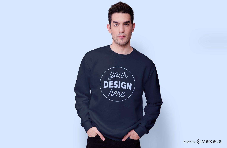 Kerl der Sweatshirtmodell trägt