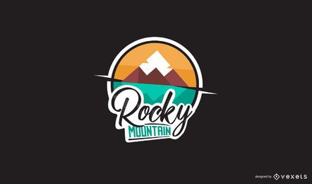 Design de logotipo de montanha rochosa