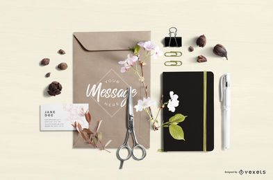 Composição de maquete de artigos de papelaria floral