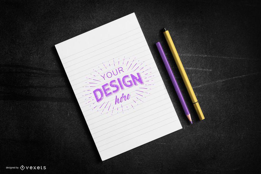 Composição de maquete de papel e canetas