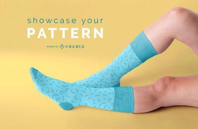 Maqueta de piernas con calcetines