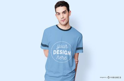 Tragendes T-Shirt Modell des Mannes