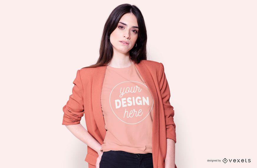 Menina moda jaqueta t-shirt maquete