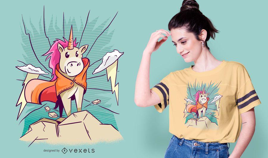 Diseño lindo de la camiseta del unicornio de la montaña