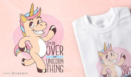 Diseño de camiseta con cita divertida de unicornio