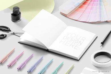 Maqueta de diseñador de cuaderno abierto