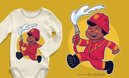 Projeto do t-shirt do menino do sapador-bombeiro