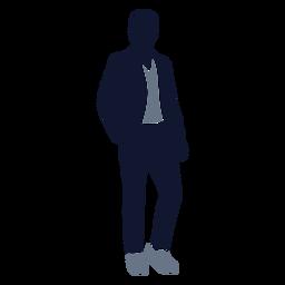 Moda masculina de pie en el bolsillo