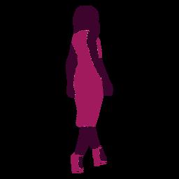Mulher sexy caminhando olhando para trás