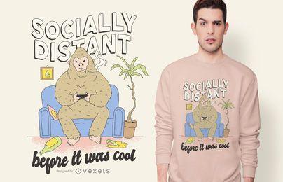 Diseño de camiseta Socially Distant Bigfoot