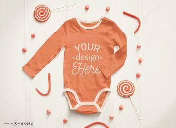 Maqueta roja de mono bebé
