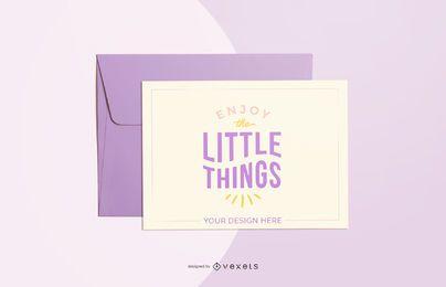 maqueta de tarjeta de felicitación púrpura