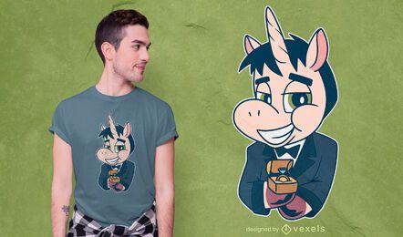 Diseño de camiseta de novio unicornio