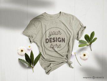 Composição de maquete de flores de t-shirt