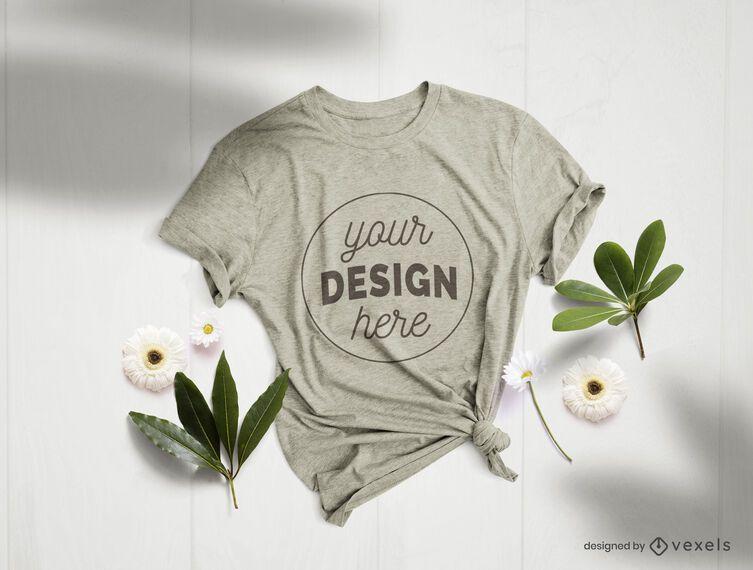 Composición de maqueta de flores de camiseta