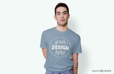 Design de maquete de t-shirt modelo masculino
